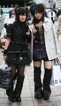 Gothic-Lolita-japanese-street-fashion-583807_439_766